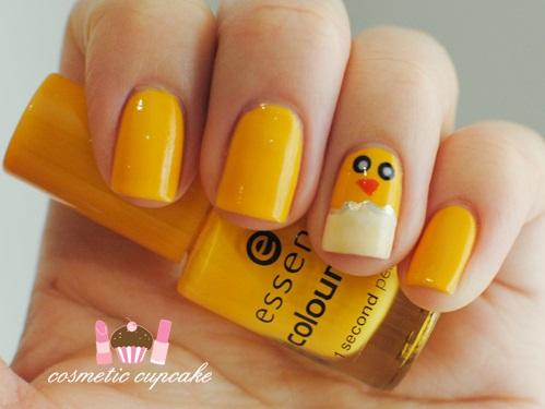 Fabulous chick nails.