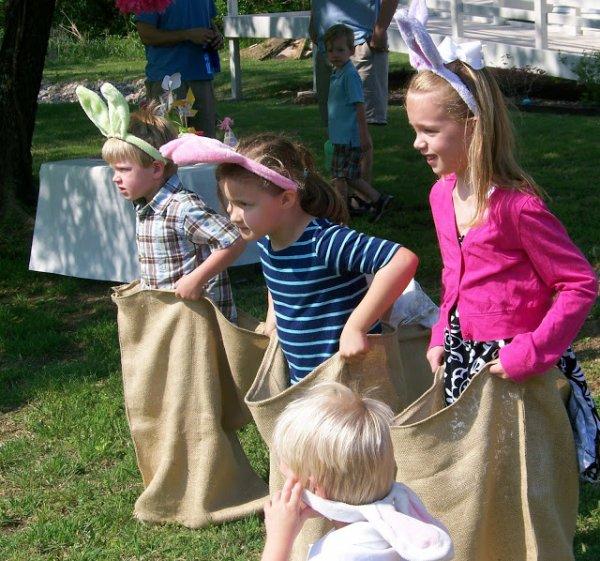 Kids stack race.
