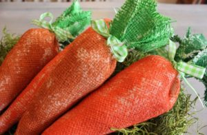 Nice burlap carrots.
