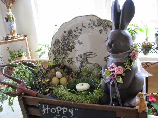 Pretty wooden crate with Easter bunny.