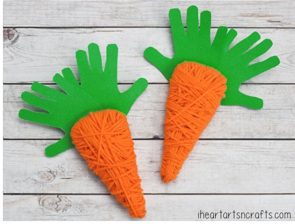 Yarn wrapped carrot craft for kids.