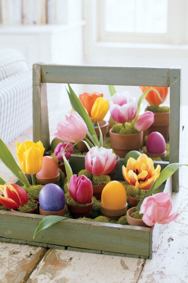 Exclusive floral centerpiece with eggs.