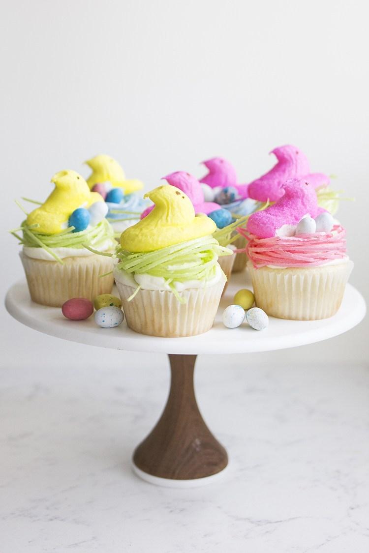 Nice Easter peep cupcakes.