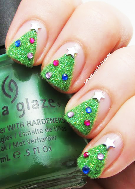 Awesome Christmas tree manicure.