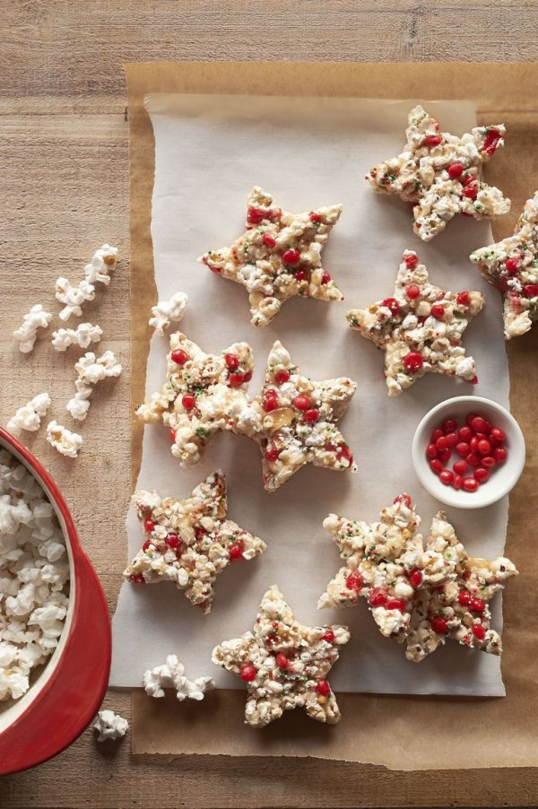 Candied popcorn stars for festive season.