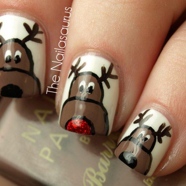 Cool rudolph reindeer nail art.