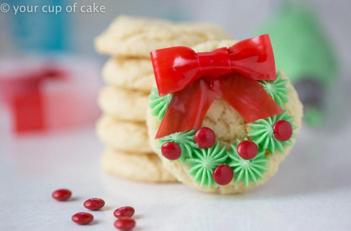 Cute Christmas wreath cookies.