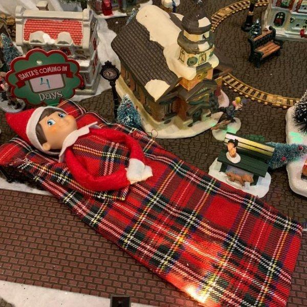Elf on shelf break time.