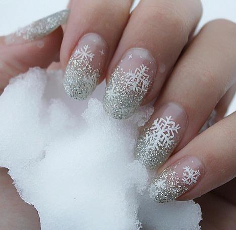 Festive nails idea.