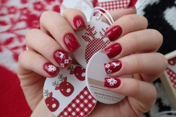 Gorgeous glaze nails for Christmas party.