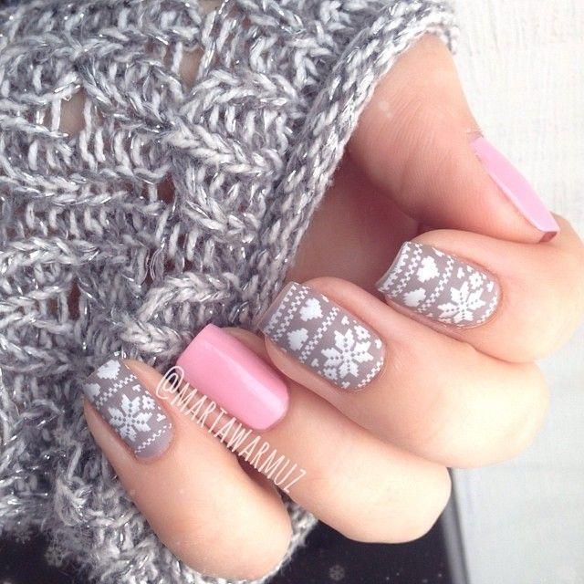 Nice pink & grey nails.