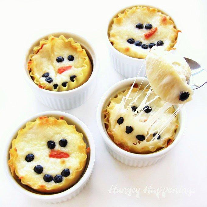 Mini chicken-parmesan lasagna snowmen.