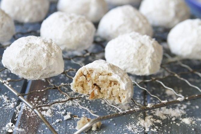 Pecan snowballs.