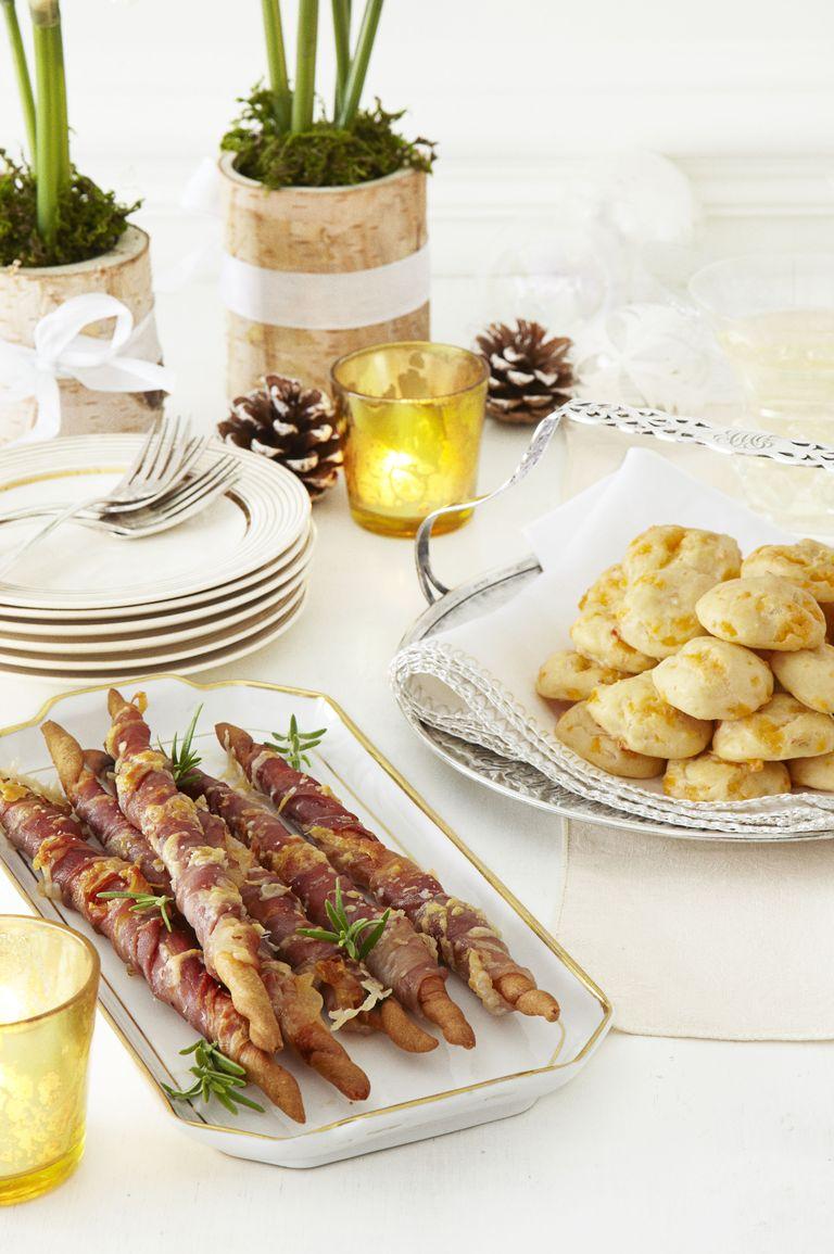 Prosciutto wrapped breadsticks.