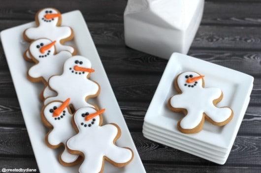 Snowman gingerbread cookies.