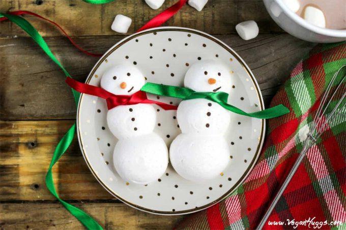 Snowmen-meringue-cookies.