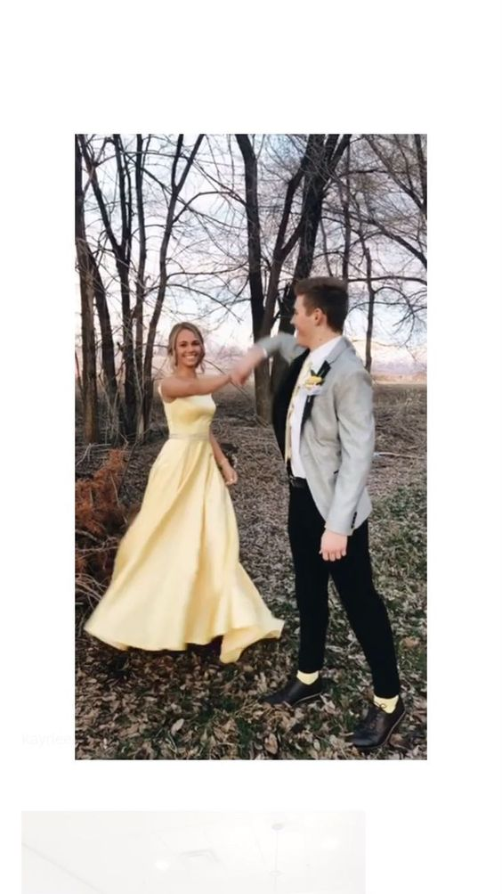 Be a couple who dance together.
