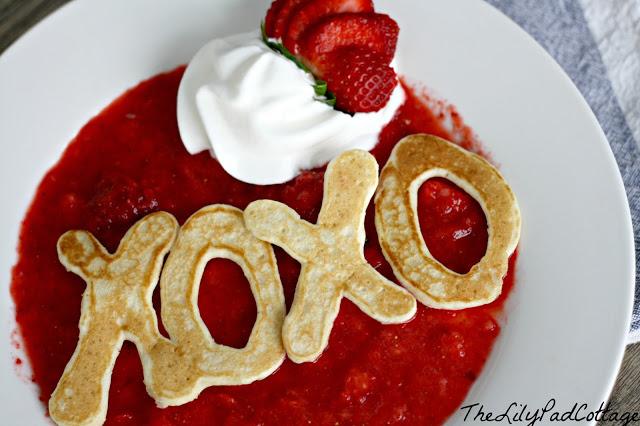 Cute XO XO pancake.