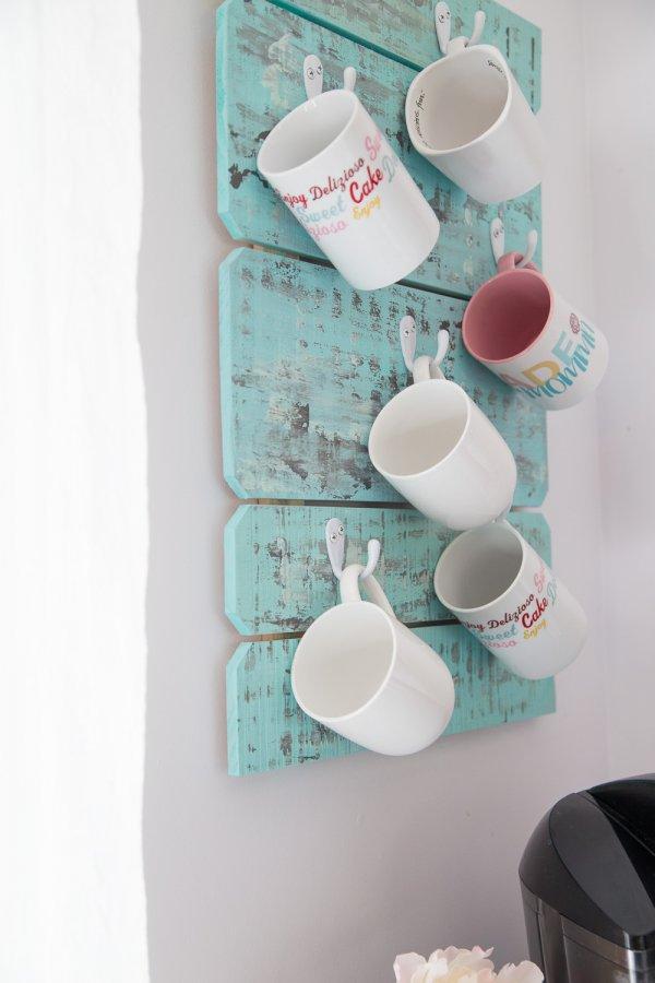 DIY coffee cup holder.