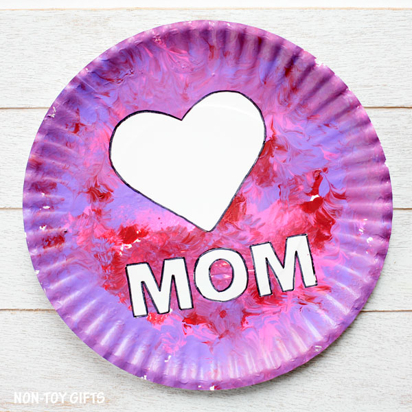Simple paper plate craft for mom.