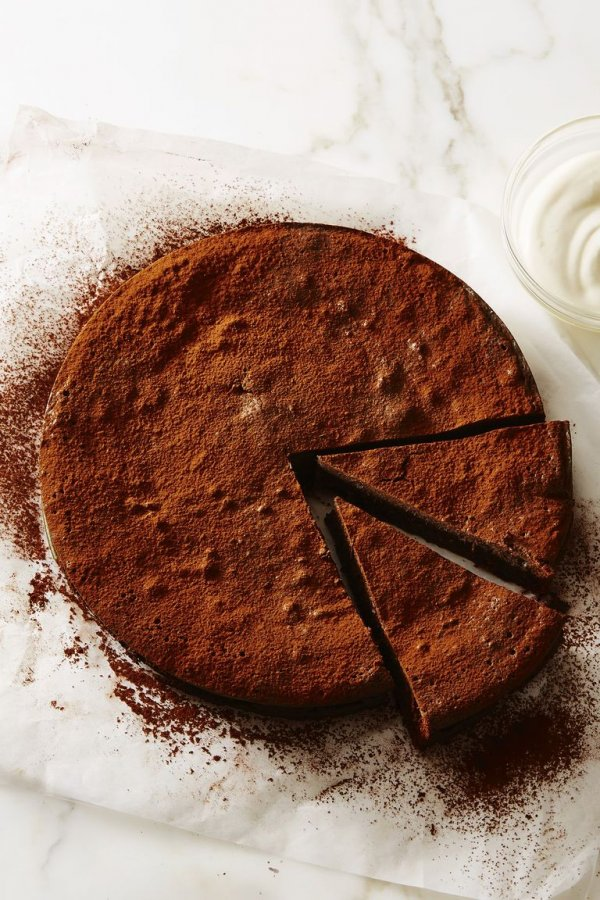 Flourless fudge cake.