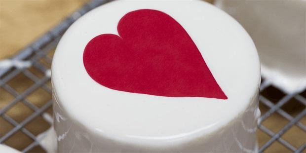 Kirsten tibballs valentines cake.